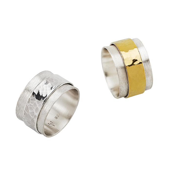Rings « Antistress » in sterling silver and 22 carats gold, mat and hammered/polished, the central ring is sliding and moving, width 1,2 cm