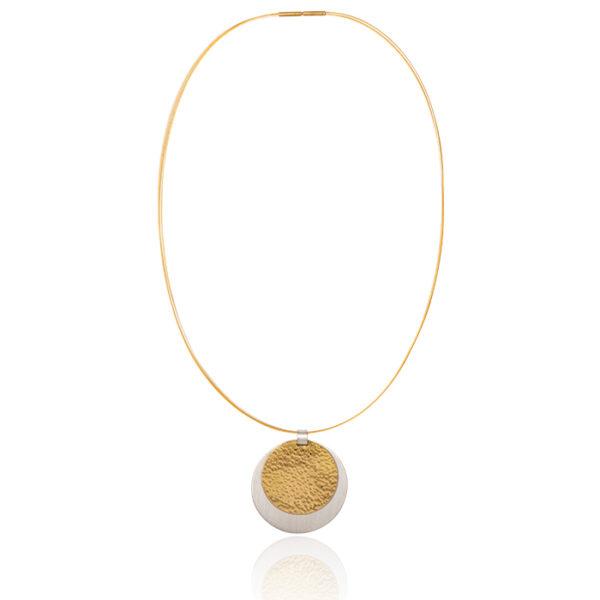 Collier en argent et or 22 carats, mat et martelé, pendentif ø 3,5 cm