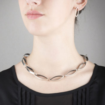 Necklace in ethical sterling silver, mat and oxidized. Entirely handmade.