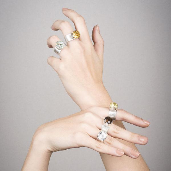Bagues PRINCESSE portées, en argent éthique, avec prasiolithe, citrine, lemon quartz, quartz fumé ou cristal de roche