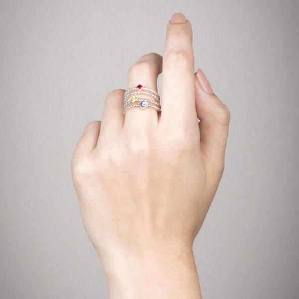 Ringe in Silber und 18 ct Gold mit Rubin, Peridot und Tansania © Y. Yahya & M. Le Glouet