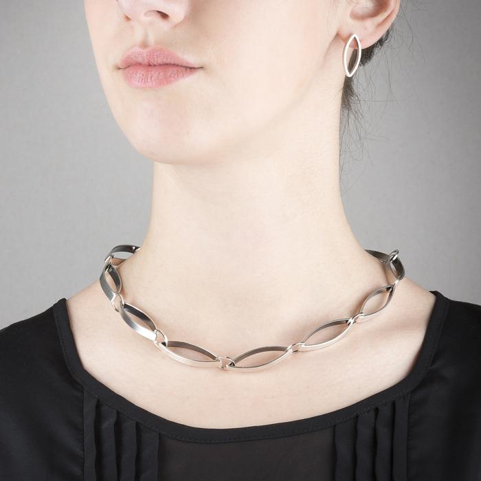 Handgemachte Halskette und Ohrstecker aus ethischem Silber RJC, mat und geschwärzt