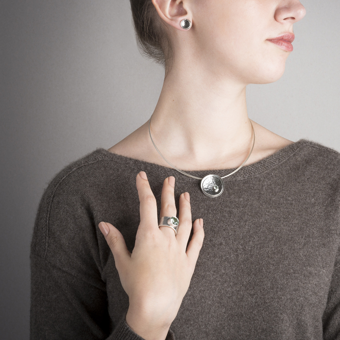 Ring, ear studs and necklace in ethical sterling silver with palladium RJC, fine stone green amethyst © Y. Yahya & M. Le Glouet