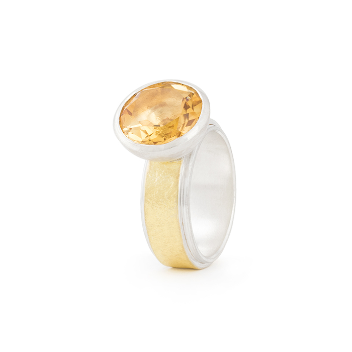 Ring in sterling silver and 22 cts gold RJC, stone-setting in hemisphere with citrine, ø 12 mm