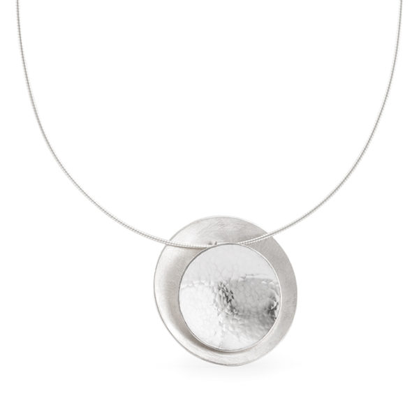 Halskette und Anhänger aus Silber RJC, matt und poliert/gehämmert