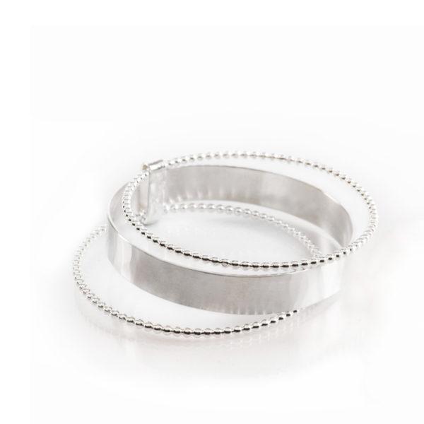 Triple-bracelet DELHI en argent éthique RJC (Responsible Jewellery Council). Des bijoux contemporains par la créatrice Yasmin Yahya, basée à Rennes en Bretagne.