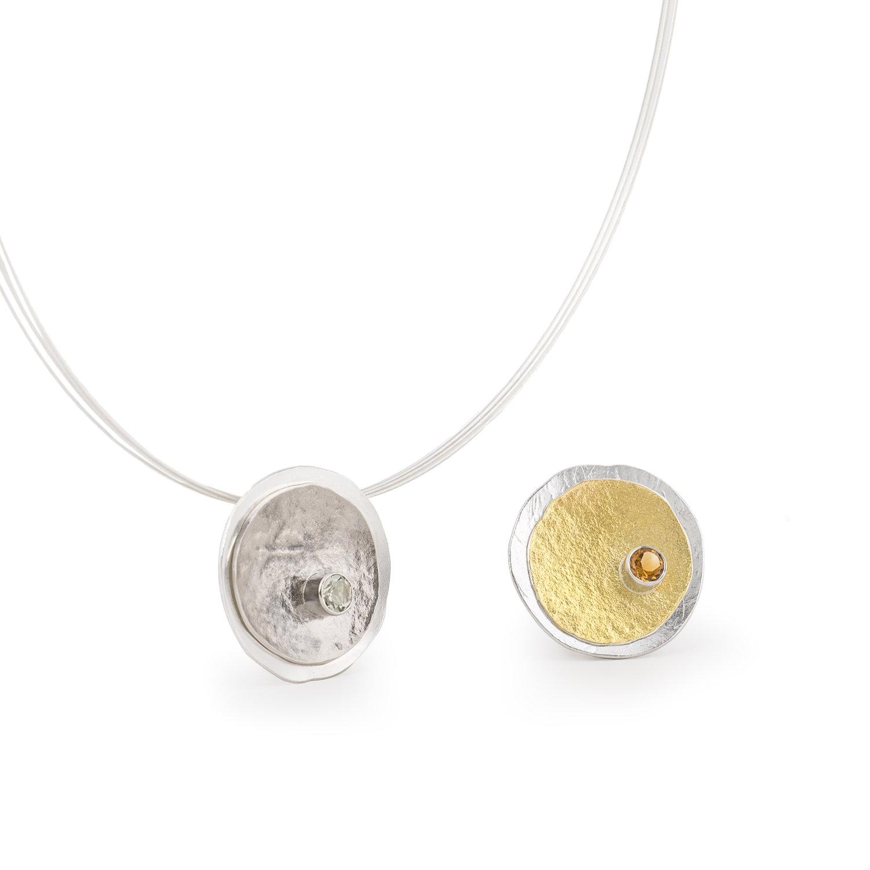 Colliers MOUNTAIN en argent/palladium RJC avec prasiolithe ou argent/or 22 cts RJC avec citrine. Avec tour de cou.