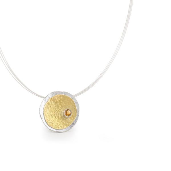 Colliers MOUNTAIN en argent/or 22 cts RJC avec citrine. Avec tour de cou. Des bijoux contemporains par Yasmin Yahya, Rennes.
