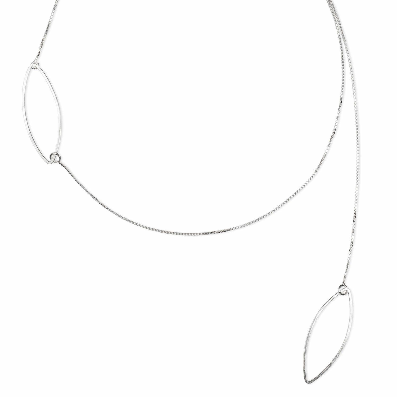 Collier fin FOREST en argent éthique RJC. Longeur de 40 cm avec une chaîne qui permet de le rallonger de jusqu'à 3 cm si nécessaire. L'originalité de cette pièce est son asymétrie.