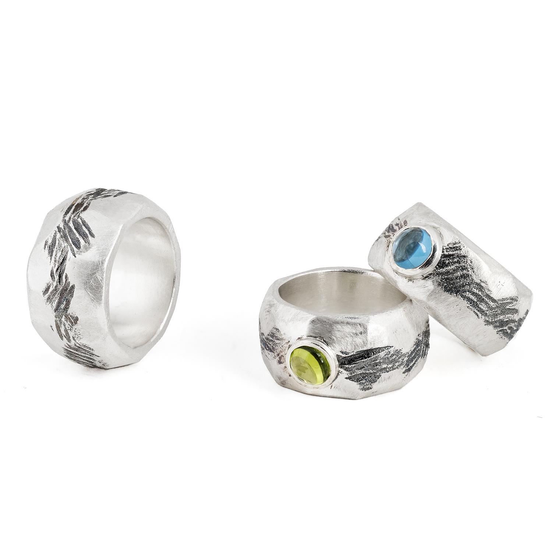 Ringe ALANA aus nachhaltigem Silber, ohne Stein oder mit grünem Peridot oder blauem Topas