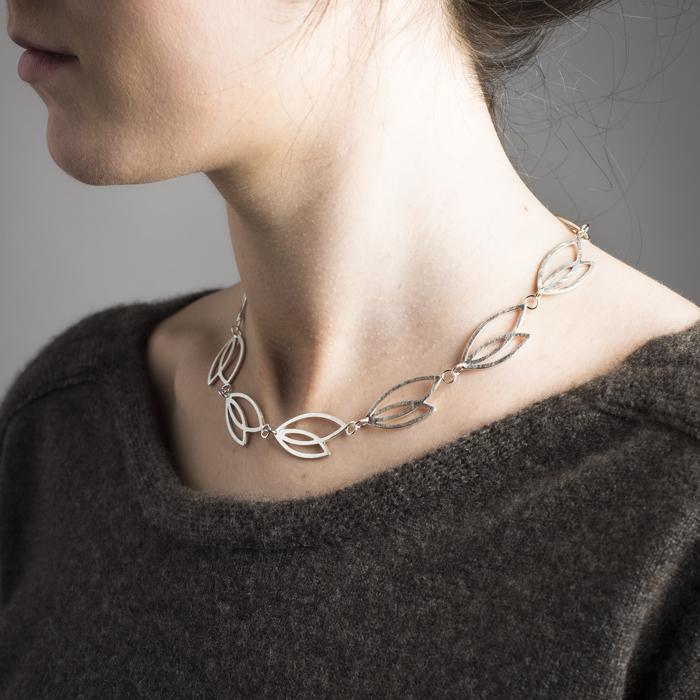 Delikate Halskette aus rezykliertem Silber matt, Kollektion FOREST