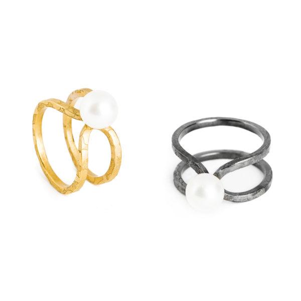 """Bagues """"Aventure de Perles"""" en argent noirci ou plaqué or, avec perle de culture; petit modèle"""