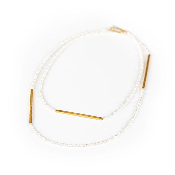 Kette aus nachhaltigem Silber, vergoldet, mit Kulturperlen. Kann einfach oder doppelt getragen werden