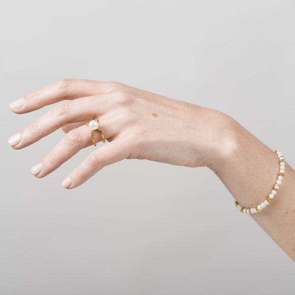 Bague et bracelet en argent équitable plaqué or, avec une perle de culture ronde (petit modèle)