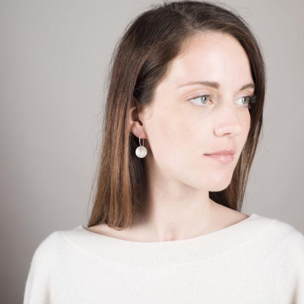 Boucles d'oreilles DOTS, version mat