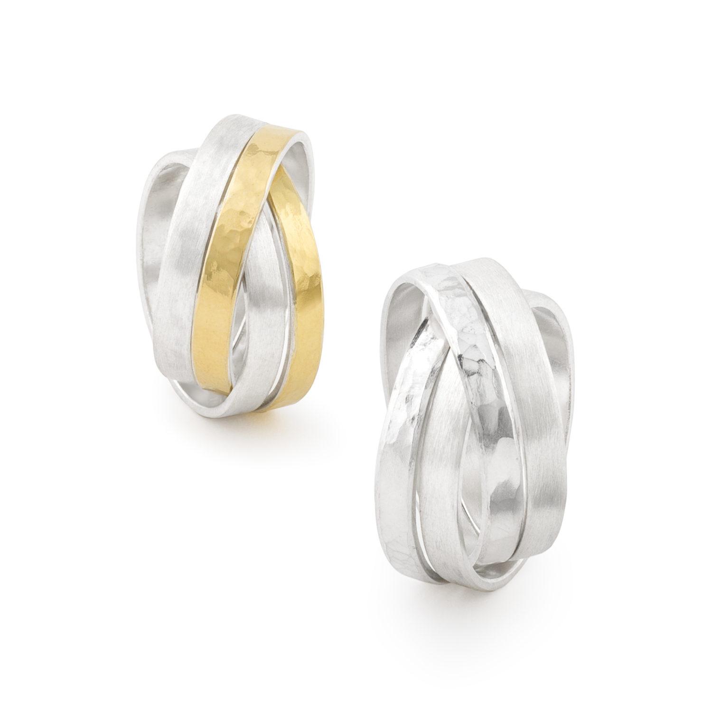 Die Vierfachringe der Kollektion DOTS: vier ineinander verschlungene Ringe machen den Charme dieser Ringes aus